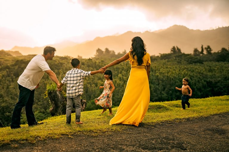 Family Photography, family of 5 walking together, mom in a yellow dress